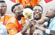 Silver Strikers apologise to coach over players