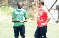 Fam diffuses coaches' saga