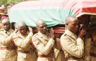Hundreds escort Sam Mpasu