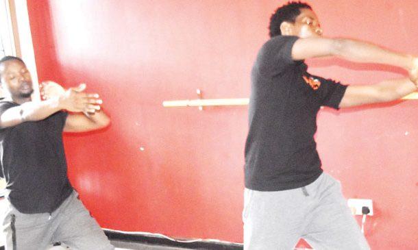 Thlupego, Mphundu, Dipo stitch new play