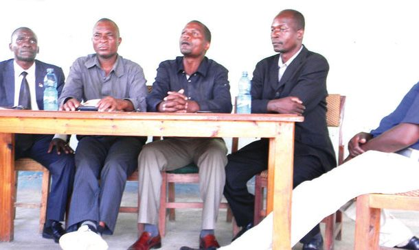 Former councillors demand gratuity