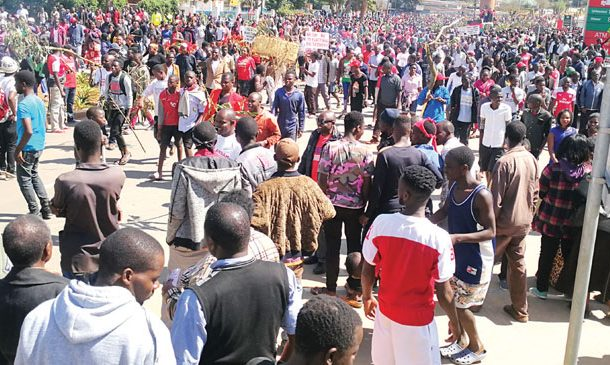 Demonstrations to move to State House