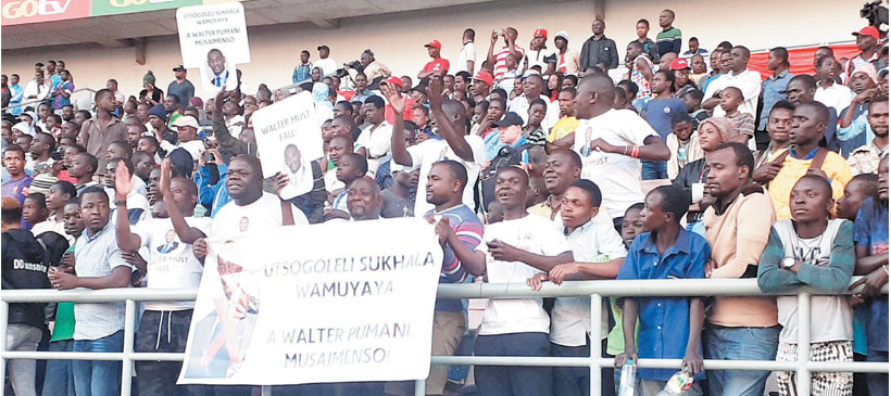 Fans demonstrate against Walter Nyamilandu